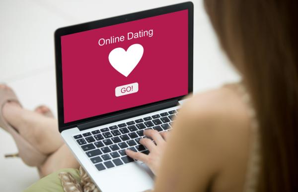 10 conseils pour se reconstruire et trouver l'amour sur un site de rencontre